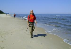 Kuba Terakowski na wybrzeżu Bałtyku