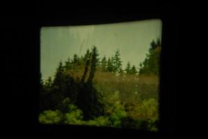 Kadr z filmu kol. Leszka o Tatrach. Pokaz przeniósł nas w czasy głośnych, poczciwych projektorów filmowych jakie jeszcze kilkanaście lat temu królowały w kinach.