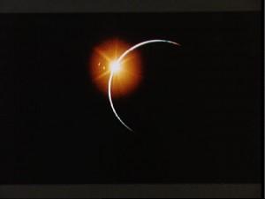 Zaćmienie Słońca widziane przez astronautów misji Apollo 12.