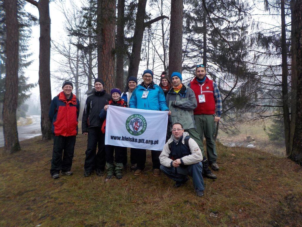 Pamiątkowe zdjęcie całej naszej grupy w Sopotni Wielkiej, obok wodospadu.