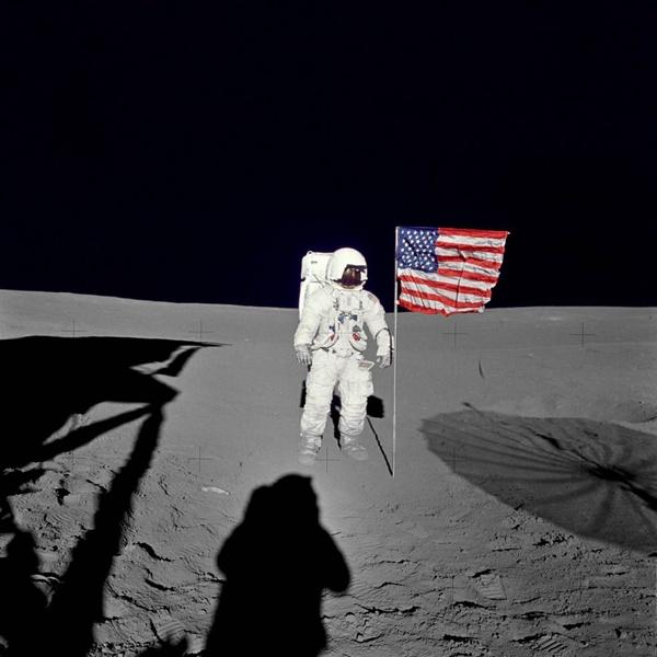 Zmarł Edgar Mitchell, członek załogi lądownika księżycowego Apollo 17. Miał 85 lat.