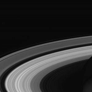Obraz pierśceni Saturna wykonany przez sondę Cassini na 1 dzień przed zakończeniem misji.